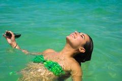 Muchacha hermosa en la playa Fotos de archivo