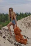 Muchacha hermosa en la playa #6 Imagen de archivo libre de regalías
