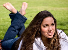 Muchacha hermosa en parque Fotos de archivo libres de regalías