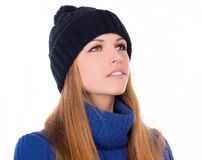 Muchacha hermosa en sombrero del invierno Foto de archivo libre de regalías