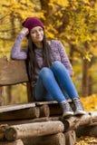 Muchacha hermosa en un día del otoño Imagen de archivo