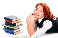 Muchacha hermosa joven del estudiante con los libros Fotografía de archivo libre de regalías