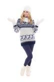 Muchacha hermosa linda que presenta en la ropa del invierno aislada en blanco Fotos de archivo