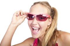 Muchacha hermosa sonriente con los clavos coloreados Fotografía de archivo libre de regalías