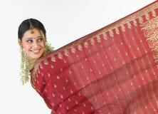 Muchacha india con la sari Foto de archivo