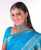 Muchacha india con la sari Fotografía de archivo libre de regalías