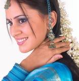 Muchacha india con las flores Fotografía de archivo