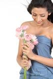 Muchacha india con las flores de la margarita Fotografía de archivo
