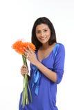 Muchacha india con las flores de la margarita Foto de archivo