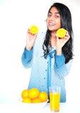 Muchacha india con las naranjas Imagen de archivo libre de regalías