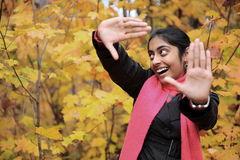 Muchacha india en la estación de caída Fotos de archivo