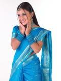 Muchacha india sonriente con la cara sonriente Fotos de archivo