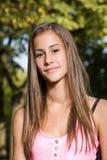 Muchacha joven bronceada del estudiante. Imagenes de archivo