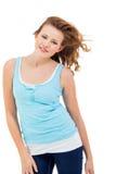 Muchacha joven del adolescente que sonríe teniendo retrato de la diversión Imagenes de archivo