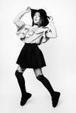 Muchacha linda adolescente con el pelo largo que presenta el retrato de la naturaleza del estudio Rebecca 36 Fotos de archivo