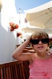 Muchacha linda con las gafas de sol fotografía de archivo libre de regalías