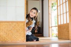 Muchacha linda cosplay de la criada del estilo japonés foto de archivo