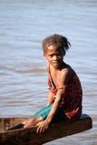 Muchacha malgache en un barco Imagenes de archivo