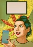 Muchacha modela con Smartphone Demostración hermosa de la mujer en la exhibición de su teléfono Hojas del cáñamo en el fondo Illu ilustración del vector