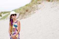 Muchacha modelo en la playa foto de archivo libre de regalías