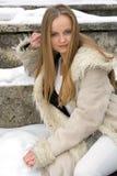 Muchacha pecosa rubia en abrigo de pieles Foto de archivo