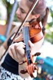 Muchacha polaca que toca el violín Fotos de archivo libres de regalías