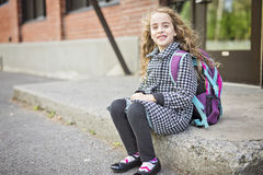 Muchacha pre adolescente en la escuela Fotografía de archivo libre de regalías