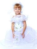 Muchacha preciosa en el vestido blanco Imagen de archivo libre de regalías
