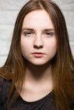 Muchacha principal roja adolescente Foto de archivo libre de regalías