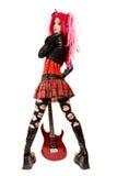 Muchacha punky con la electro guitarra imagenes de archivo