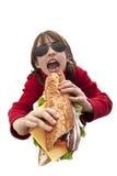 Muchacha que come la hamburguesa fotos de archivo libres de regalías