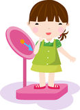 Muchacha que controla su peso en una escala Fotografía de archivo libre de regalías