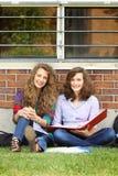 Muchacha que estudia afuera Imágenes de archivo libres de regalías