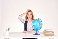Muchacha que estudia en el escritorio Imagen de archivo