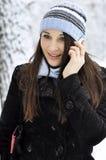 Muchacha que habla en el teléfono celular Fotografía de archivo libre de regalías