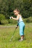 Muchacha que juega a bádminton Fotos de archivo libres de regalías