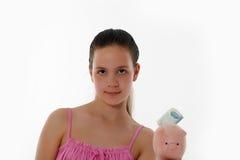 Muchacha que sostiene la batería guarra Imagen de archivo