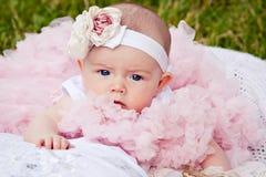 Muchacha recién nacida linda fotografía de archivo libre de regalías