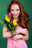 Muchacha redheaded hermosa con maquillaje de la moda Imagen de archivo libre de regalías