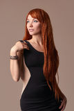 Muchacha roja del pelo de la belleza Imágenes de archivo libres de regalías