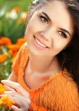 Muchacha romántica de la belleza al aire libre. SMI modelo adolescente hermoso de la muchacha Imágenes de archivo libres de regalías