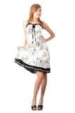 Muchacha rubia adolescente en alineada blanca elegante Foto de archivo libre de regalías