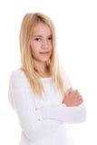 Muchacha rubia agradable con los brazos cruzados Fotografía de archivo libre de regalías