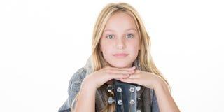 muchacha rubia bastante joven casual con los ojos azules lindos Imágenes de archivo libres de regalías