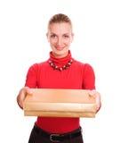 Muchacha rubia con un rectángulo de regalo imágenes de archivo libres de regalías
