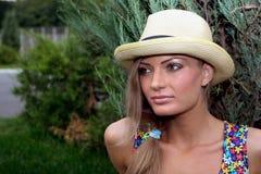 Muchacha rubia en sombrero Imagen de archivo
