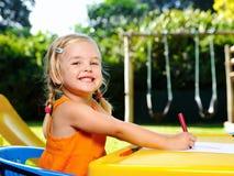 Muchacha rubia feliz preescolar Imagen de archivo libre de regalías