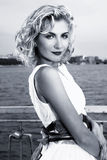Muchacha rubia hermosa Foto de archivo libre de regalías