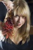 Muchacha rubia joven hermosa Fotos de archivo libres de regalías
