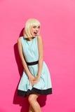 Muchacha rubia que presenta como Marilyn Imagenes de archivo